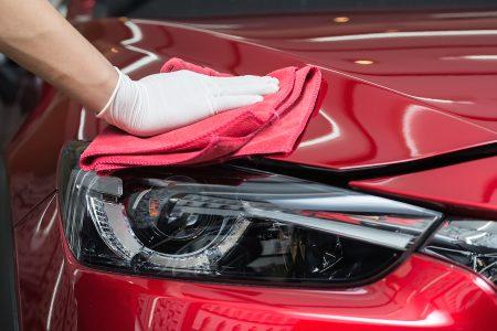 woskowanie samochodu