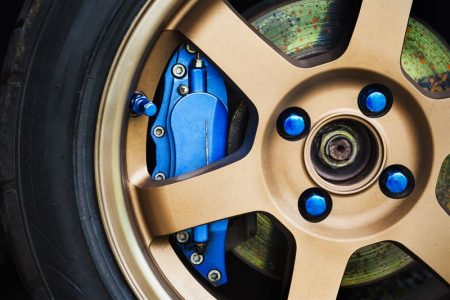 Regeneracja i malowanie zacisków hamulcowych w Audi A4