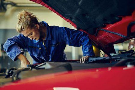 Filtr paliwa w Volkswagen Golf 4 – wymiana