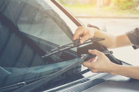 Jak wybrać wycieraczki do samochodu?