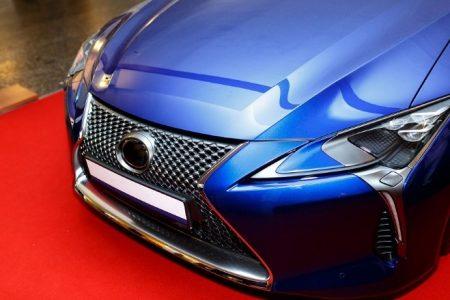 Kilka słów o rodzajach i cenach tablic samochodowych