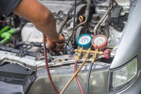 Odgrzybianie klimatyzacji samochodowej - skuteczne metody