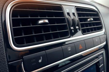 Zasady korzystania z klimatyzacji w samochodzie - sprawdź popularne błędy