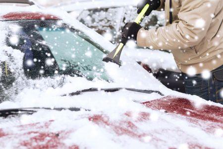 Jak zadbać zimą o szyby swojego samochodu? Garść porad.