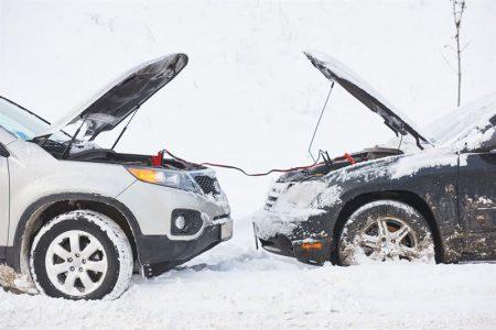 Zimowe gadżety do samochodu - co warto posiadać w aucie zimą?
