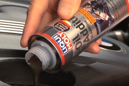 Dwusiarczek molibdenu do silnika i skrzyni - jak stosować, czy warto?