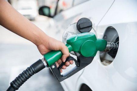 Klapka wlewu paliwa nie otwiera się. Możliwe przyczyny problemu i naprawa